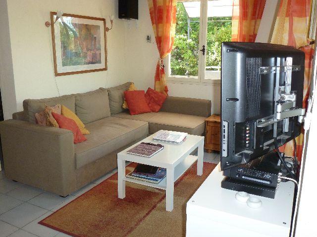 Vakantiewoning te huur zuid frankrijk op parc le duc - Leunstoel voor kleine woonkamer ...