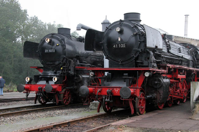 SSN br 01 and 41 in Rotterdam (08-10-2004)